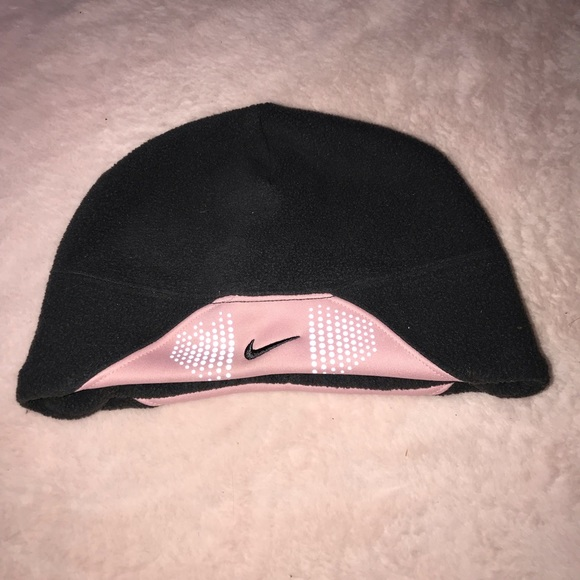 d40b2fea974a9 Nike women s ponytail fleece hat size S M. M 5bbf8598c89e1d2221333b6b